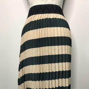XL LuLaRoe Striped Jill skirt NWOT